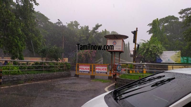 Chennai rain photo 05 loyola college front 621