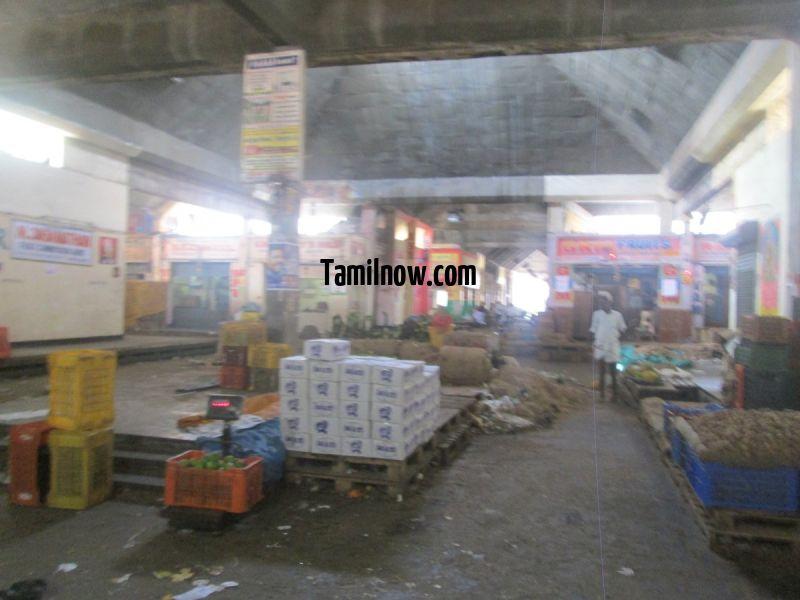 Koyambedu market interior 899