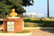 Anna memorial at marina beach 10