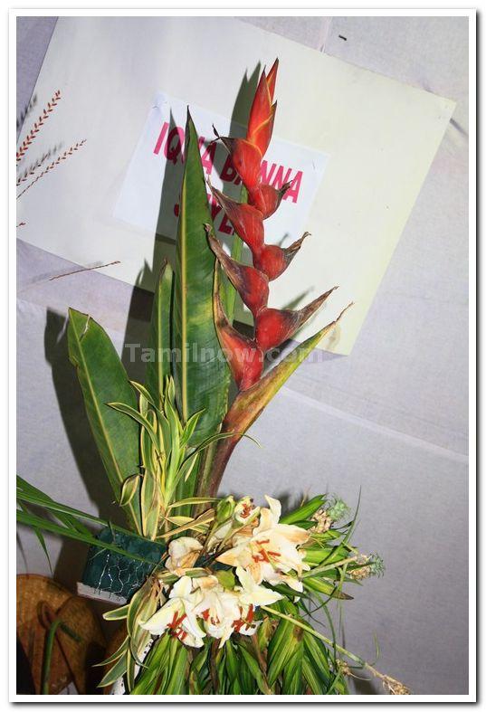 Ikebana flower arrangement 3