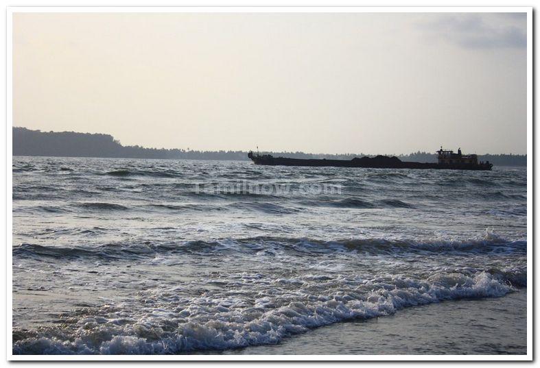 Goa miramar beach photo 2