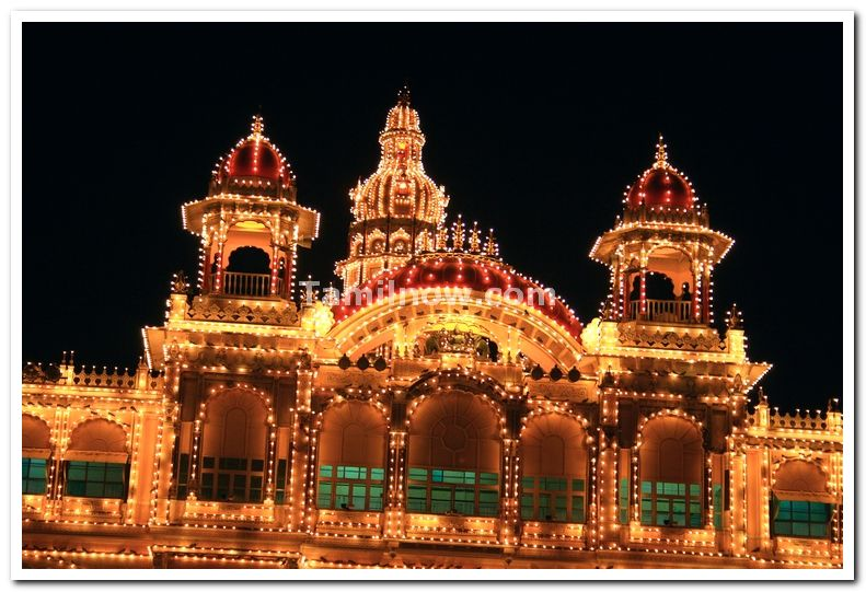 Mysore palace central domes