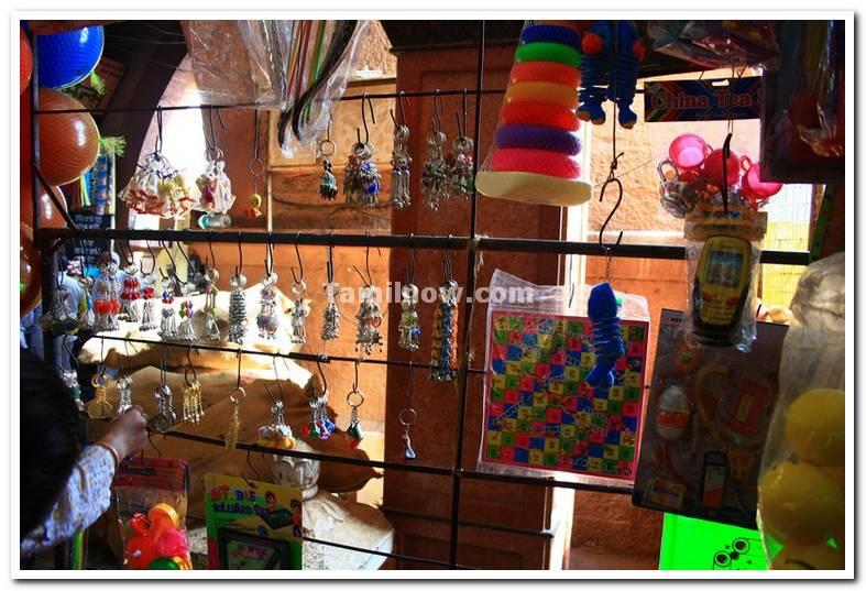 Narsobawadi temple shops 3