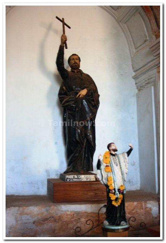 Statues inside the Basilica