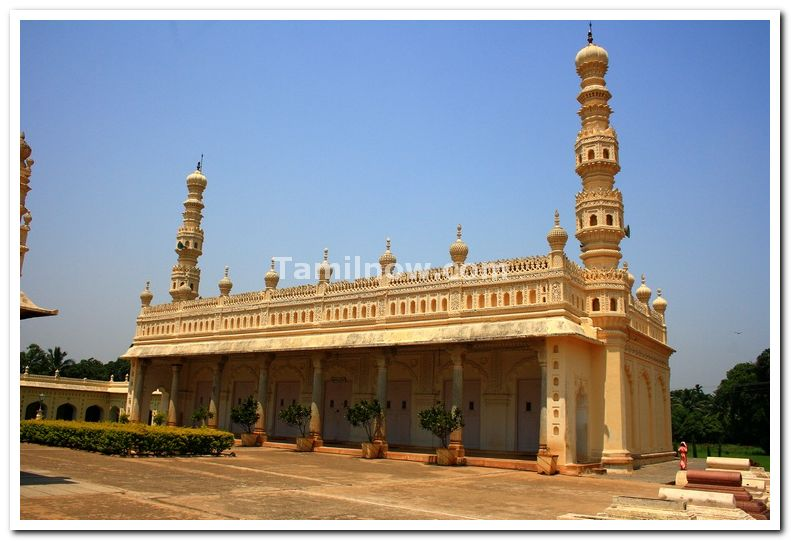 Masjid near to tipu tomb