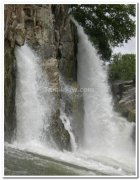Hogenekkal waterfalls