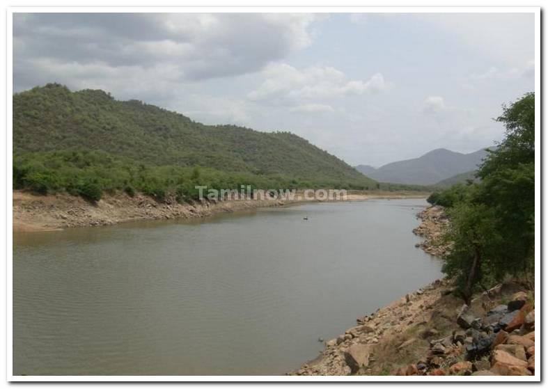 River cauvery right karnataka ledt tamilnadu