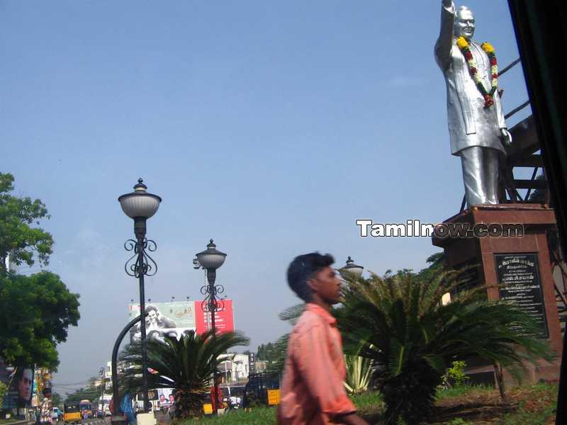 Rajiv gandhi statue