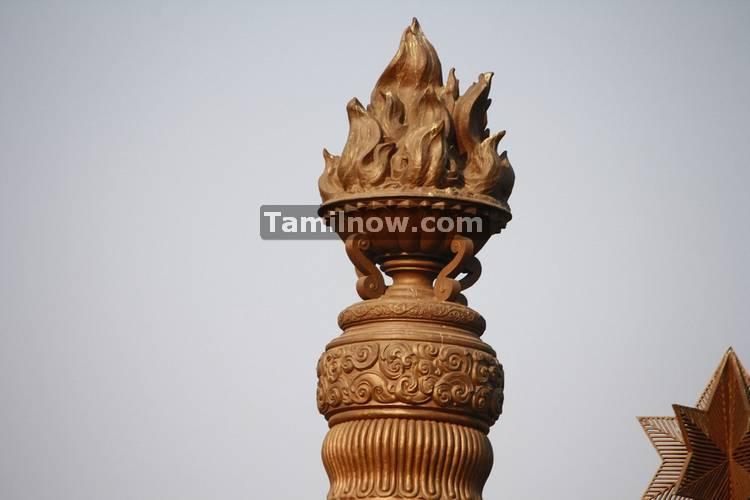 Pillars at rajiv gandhi memorial 7
