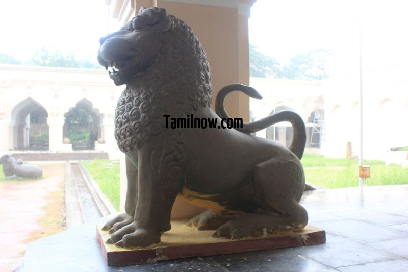 Artifacts on display at thanjavur museum 5 913