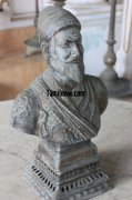 Shivaji statue at maratha palace 108