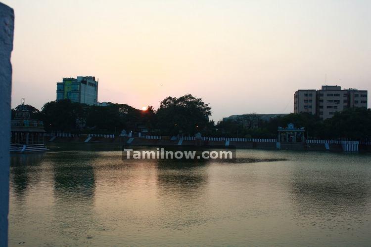 Mylapore temple tank photo 1