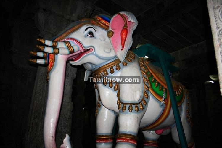 Ekambaranatha temple chariot structures 1