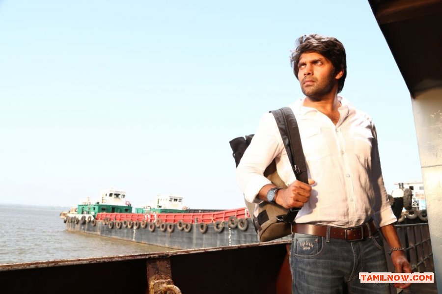 Tamil Actor Arya Photos 2533