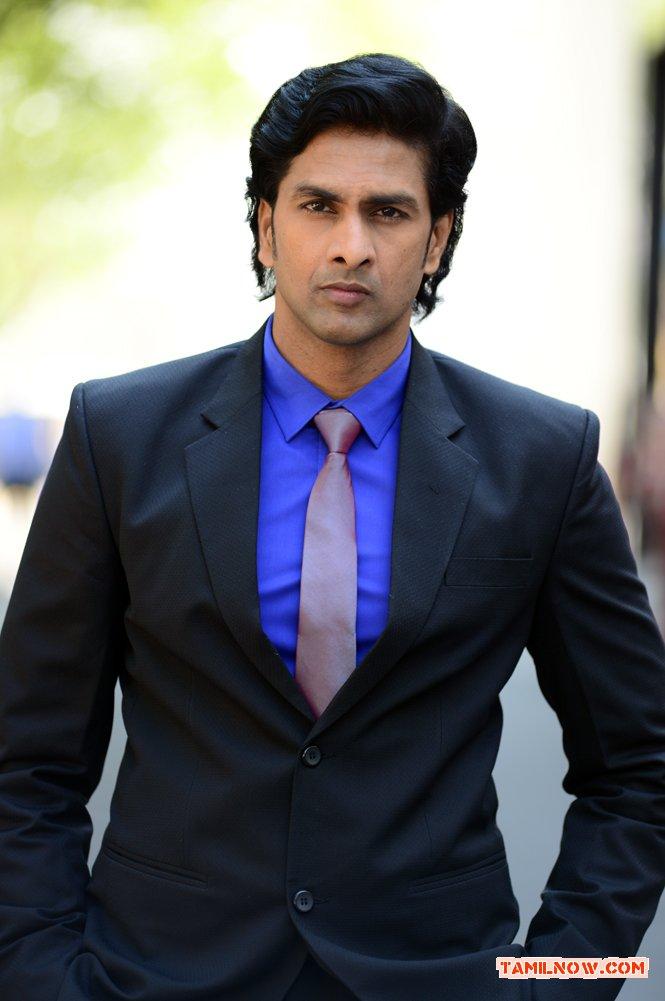 Actor Bharath Reddy Photos 4079