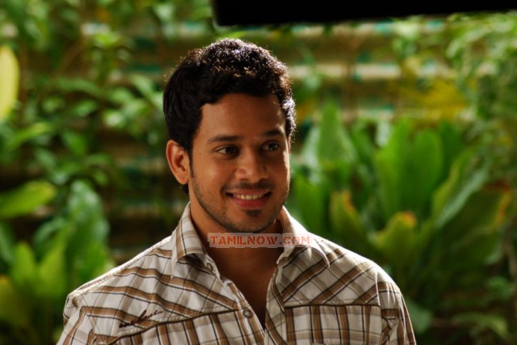 Actor Bharath 4027