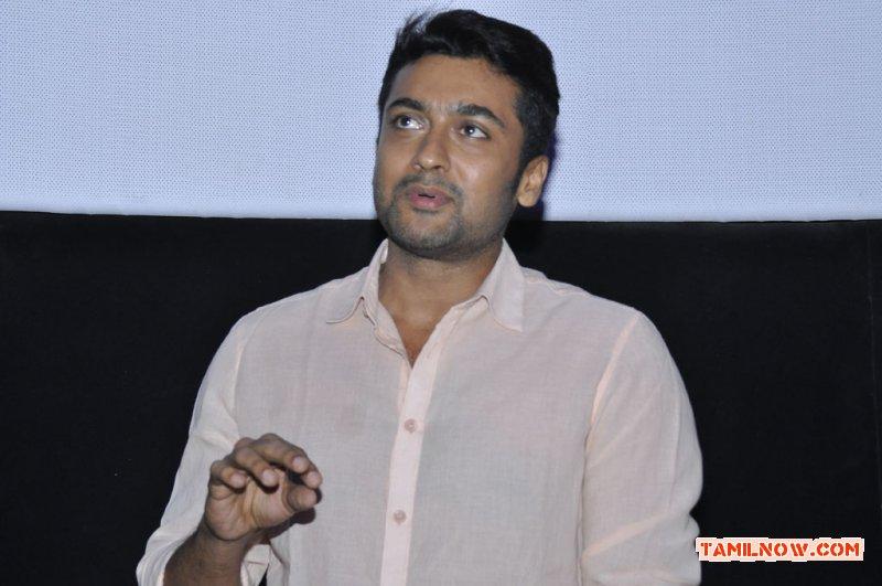 Actor Surya 5149