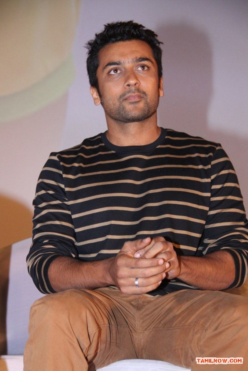 Actor Surya 6451