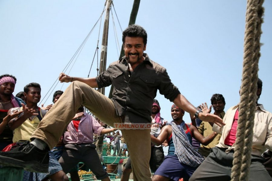 Actor Surya 6600