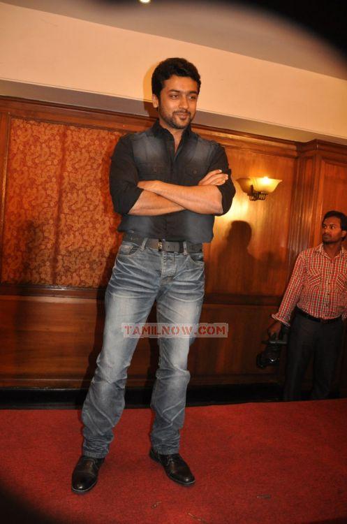 Actor Surya 7834