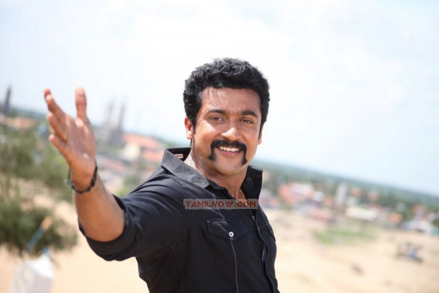 Actor Surya 8051