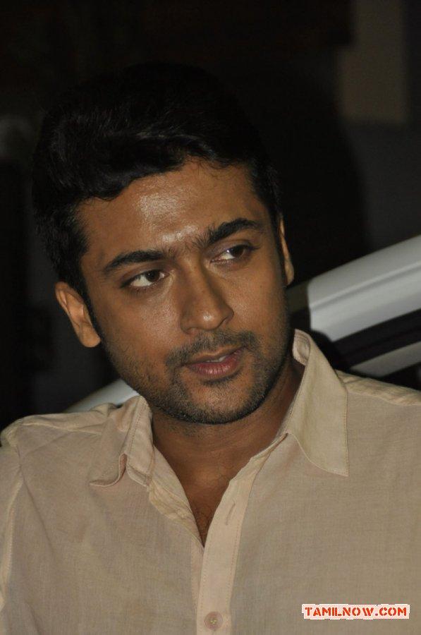 Actor Surya 9142
