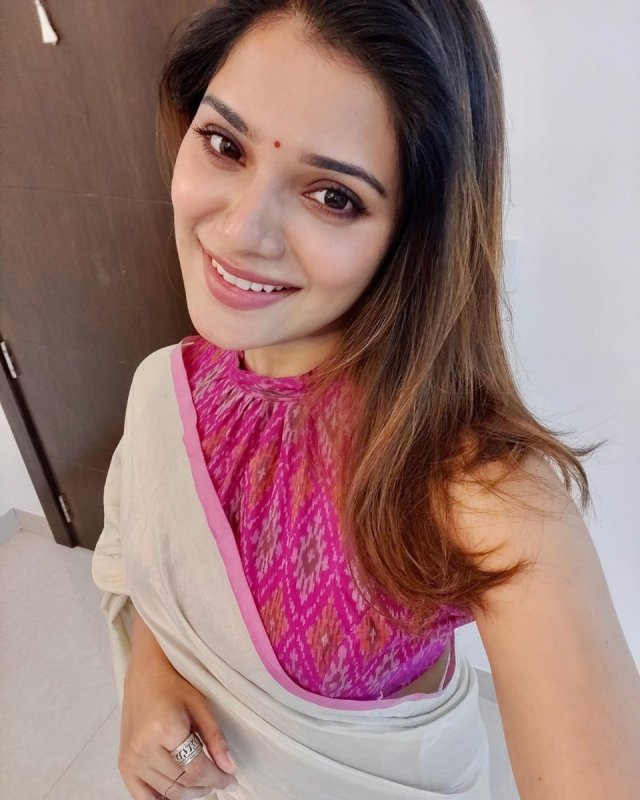 2020 Pictures Aathmika 65