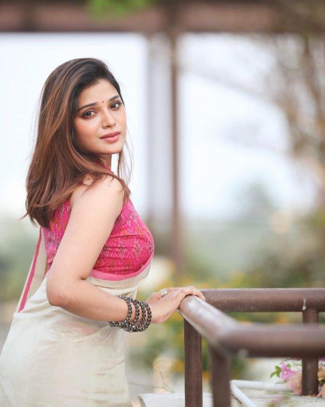 Latest Still Aathmika Actress 2723