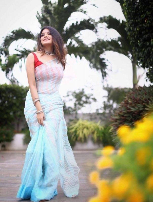 Recent Pictures Indian Actress Aathmika 6596
