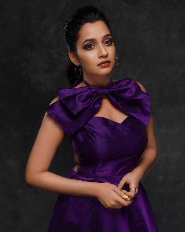 2020 Still South Actress Abarnathi 6764