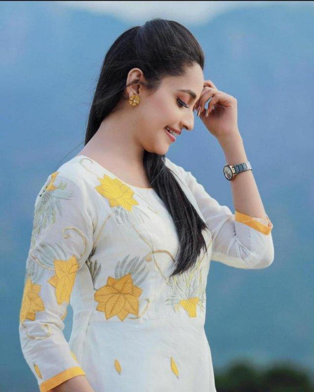 Abarnathi South Actress Dec 2020 Pic 9033