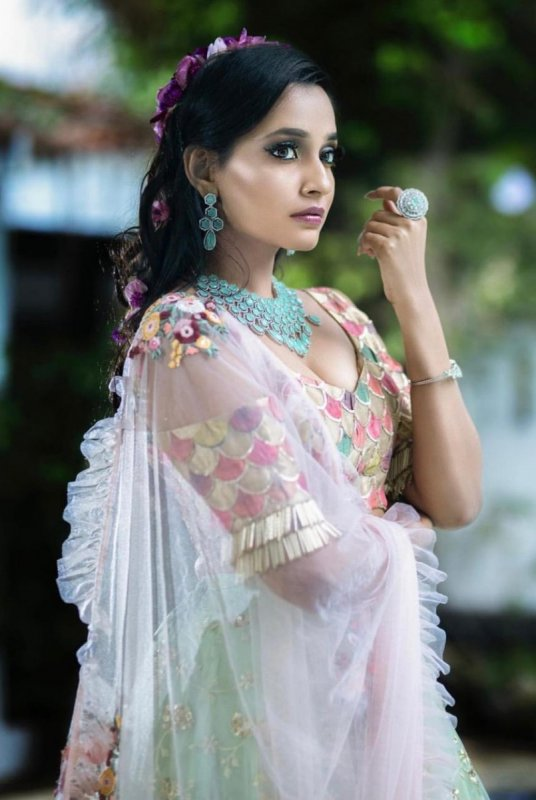 Movie Actress Abarnathi New Picture 379