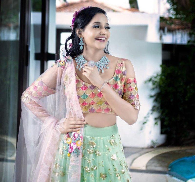 Nov 2020 Image Film Actress Abarnathi 6426