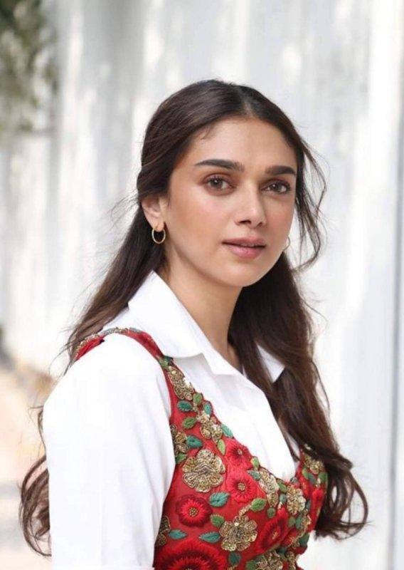 Indian Actress Aditi Rao Hydari Sep 2020 Stills 1302