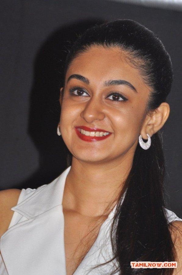 Actress Aishwarya Arjun Stills 7839