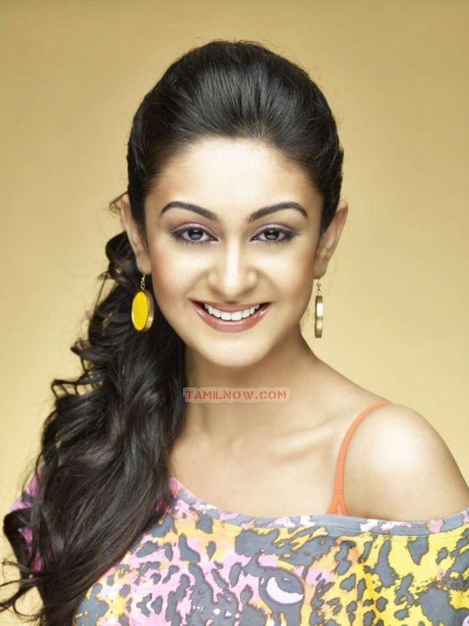 Tamil Actress Aishwarya Arjun Stills 7870