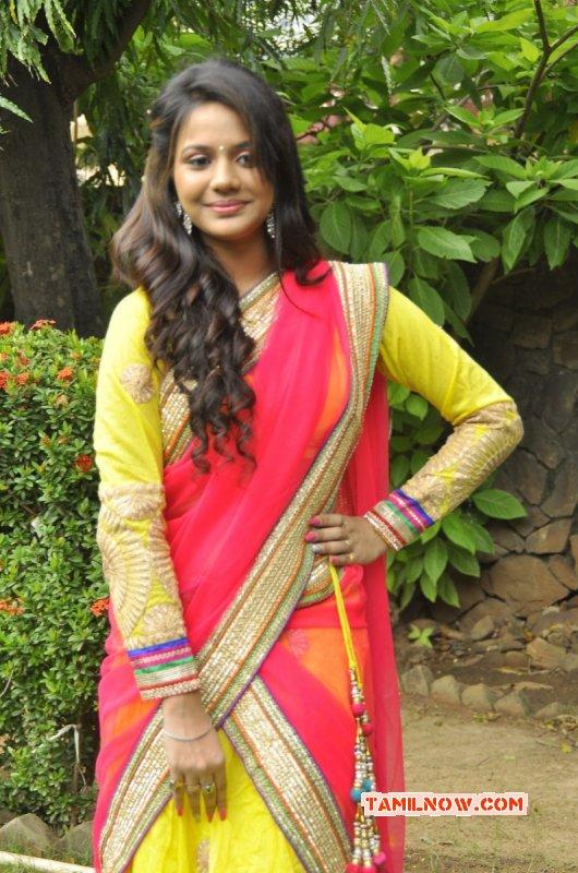 2014 Pics Tamil Heroine Aishwarya Dutta 8321
