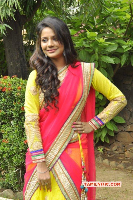 Nov 2014 Pic Film Actress Aishwarya Dutta 6198