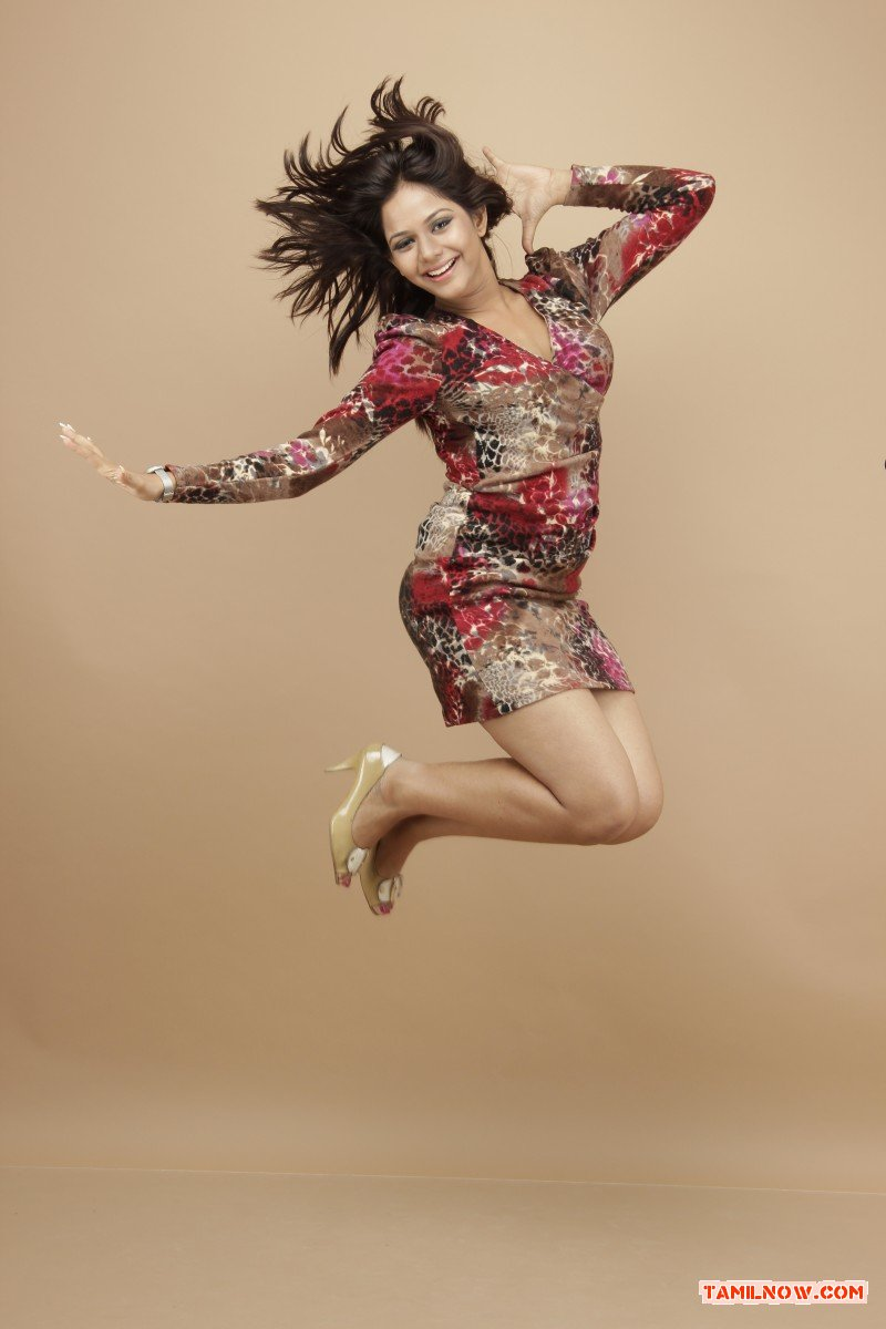 Tamil Actress Aishwarya Dutta 8626