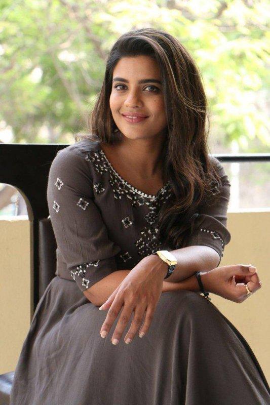 Aishwarya Rajesh Tamil Heroine New Still 6168