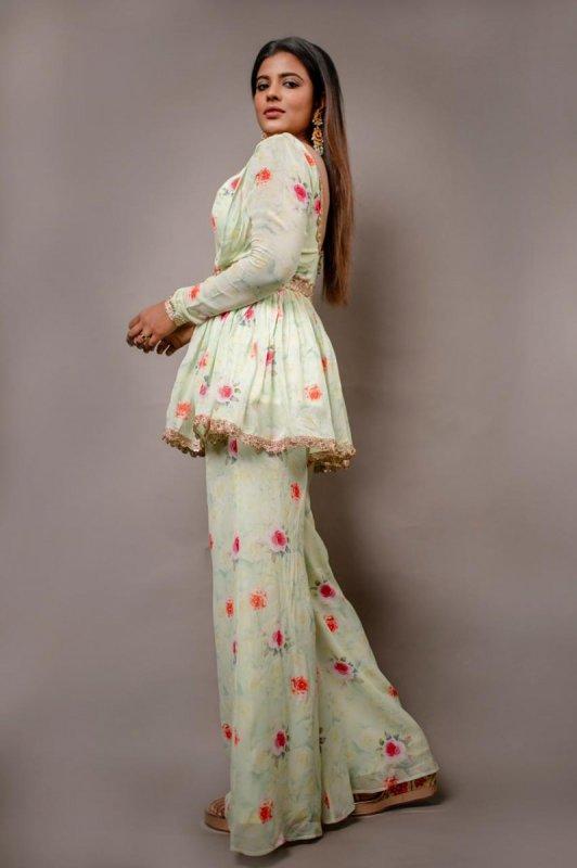 Indian Actress Aishwarya Rajesh 2021 Wallpaper 9216