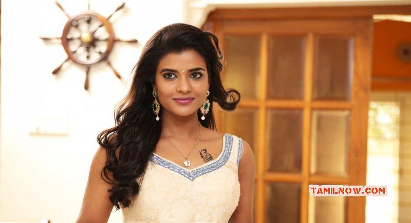 Recent Still Aishwarya Rajesh Tamil Actress 134