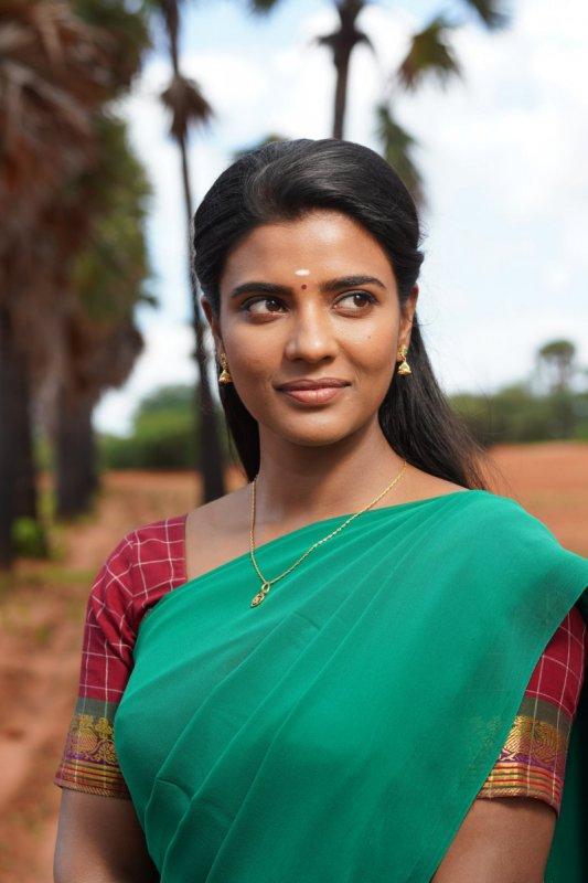 South Actress Aishwarya Rajesh 2020 Picture 9877