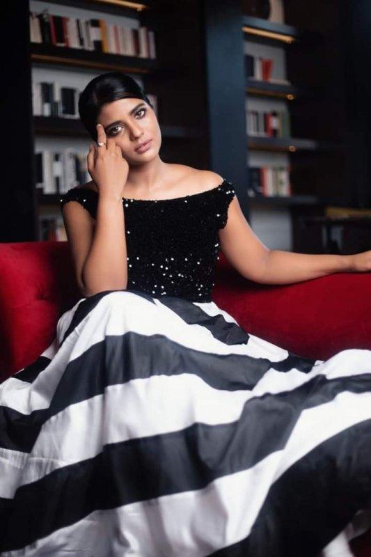 Tamil Actress Aishwarya Rajesh Recent Pics 8078