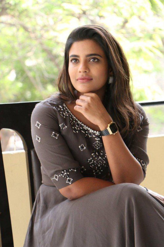 Tamil Heroine Aishwarya Rajesh 2020 Images 112