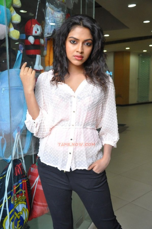 Actress Amala Paul Stills 9678