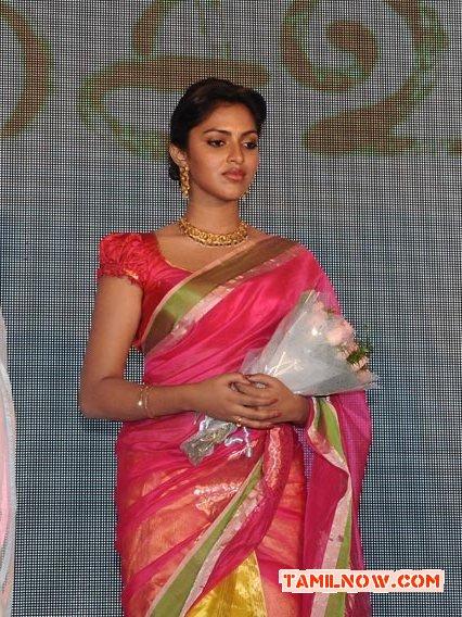 Tamil Actress Amala Paul Photos 2013