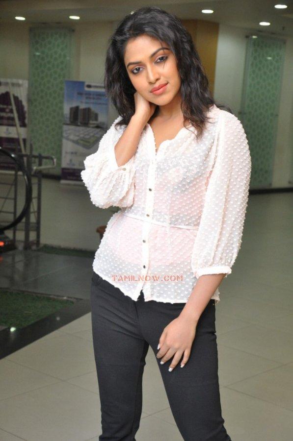 Tamil Actress Amala Paul Photos 8177