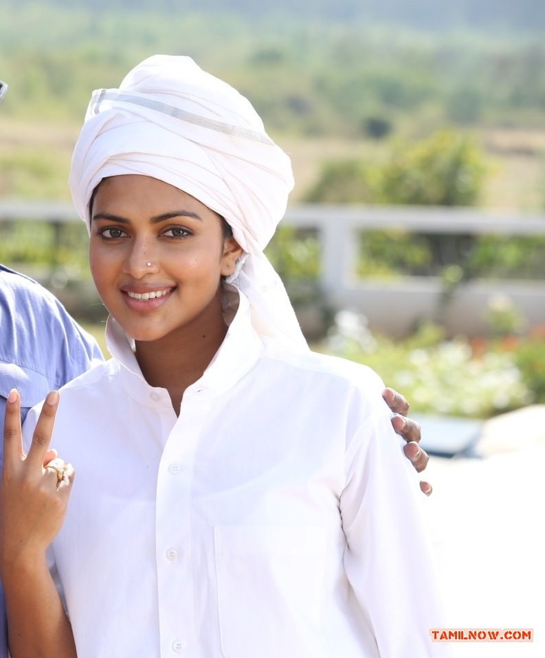 Tamil Actress Amala Paul Stills 4451