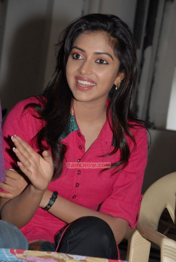 Tamil Actress Amala Paul Stills 7281